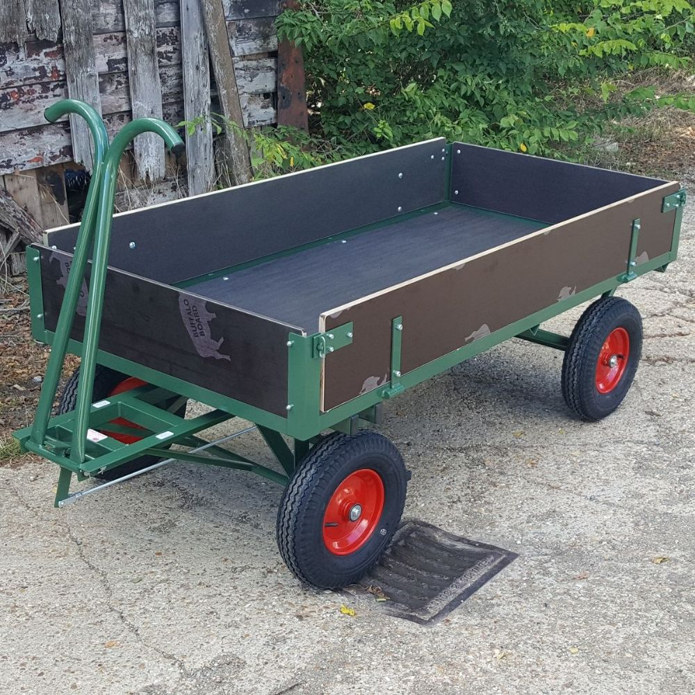 Turntable Truck With Hinged Sides